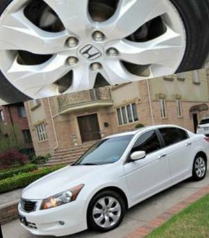 For Sale. 2010 Toyota Camry XLE Great Shape. FWDWheels for Sale in Baton Rouge, LA