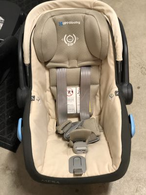 Uppababy Mesa Car seat and base for Sale in Murrieta, CA