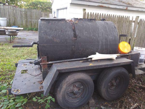 Tank for sealer 250 gallons good tires no title $ 850 or best offer