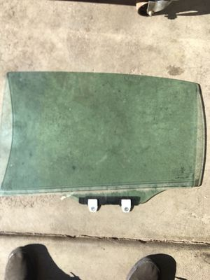 2009 Honda Accord rear driver side windshield for Sale in Denver, CO