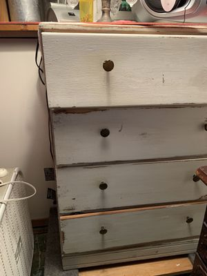 Dresser $8 for Sale in Valparaiso, IN