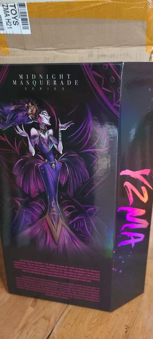 Disney Designer Collection Yzma doll and pin set for Sale in Lodi, NJ