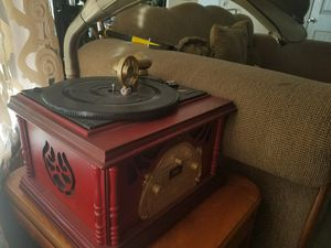 Cassette is the only thing that doesnt work cd and record player works for Sale in La Vergne, TN