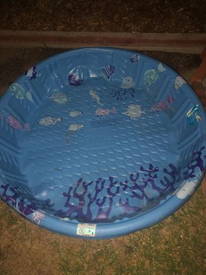 Pool no leaks clean just sitting outside and didn't use 4ft by 14 inches deep for Sale in Torrance, CA