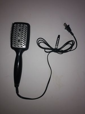 Heated hair brush straightener for Sale in Linthicum Heights, MD