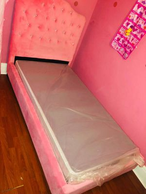 Pink diamond studded velvet twin size bed w/ new box spring for Sale in Buffalo, NY