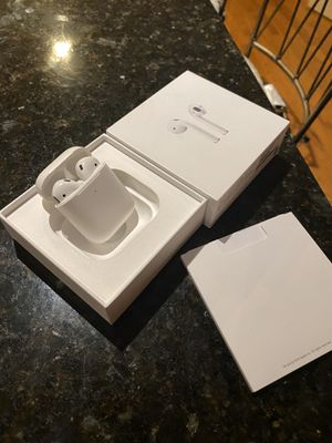 Apple airpods 2nd gen wireless charging case for Sale in Sterling, VA