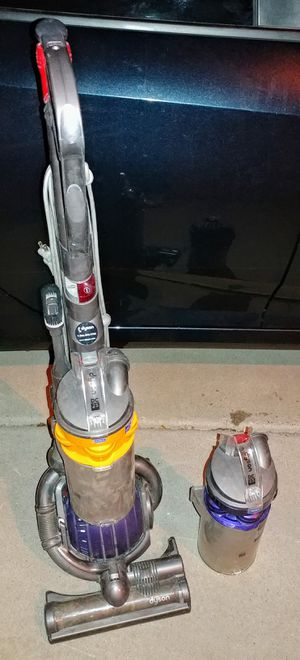 Dyson Ball Animal Bagless Upright Vacuum for Sale in Peoria, AZ