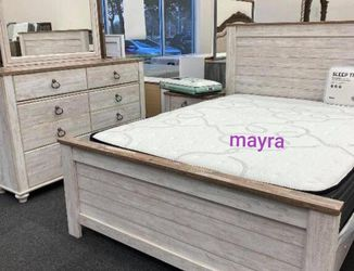 . Bedroom set. Delivery available. Dresser Mirror Nightstand Bed Frame Queen for Sale in Austin,  TX
