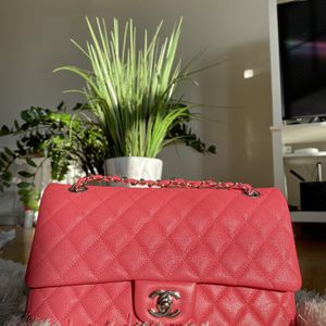 Chanel Double Flap In Pink Caviar Medium for Sale in Chicago, IL