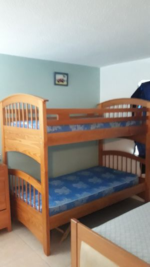 Bunk bed with 2 mattress for Sale in Pompano Beach, FL
