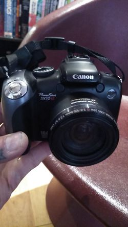 Canon PowerShot SX10IS digital camera with 32gb SD card and video connection cable for Sale in San Angelo,  TX