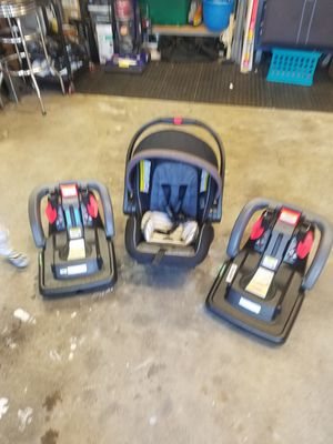 Graco click connect snugride car seat for Sale in Mill Creek, WA