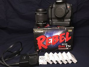 Canon t5i DSLR for Sale in Parma, OH