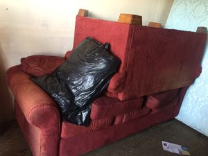 Old long couch & love seat set with throw pillows for Sale in Covina, CA
