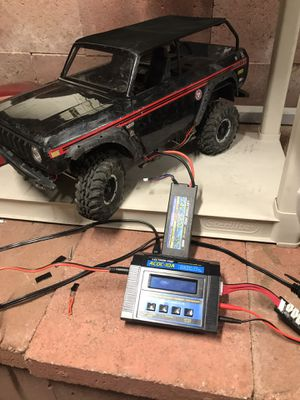Rc truck GEN 8 axe with lipo and charger rTR for Sale in Los Angeles, CA