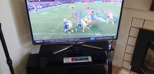 55 inch Samsung led TV, entertainment center, and sound system for Sale in Hercules, CA