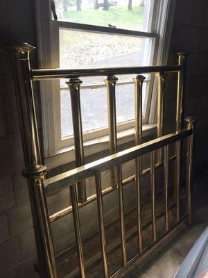 Antique Brass bed full/queen w/rails for Sale in Nashville, TN