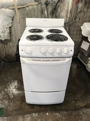 "Vertex Appliances. Used,20"" electric stove, coin burners, white color, great condition for Sale in San Jose, CA"
