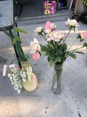 $10 each flower vase and flowers for Sale in San Antonio, TX