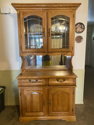 China Hutch and 2 display cases for Sale in Abilene, TX