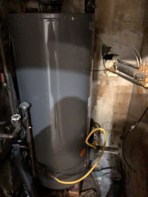 Rheem Performance Water Heater-like new for Sale in Seattle, WA