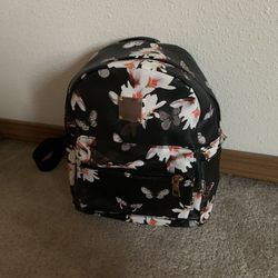 Vintage Flower Print Backpack for Sale in Auburn,  WA