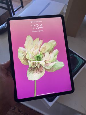 IPAD PRO 11 inch 64GB almost brand new for Sale in Newcastle, WA