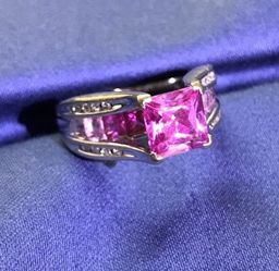 10K White Gold Pink Sapphire Ring for Sale in Milton,  FL