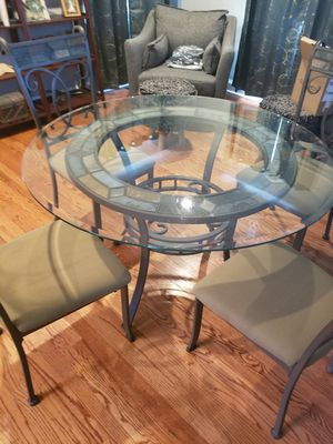 Table and chairs for Sale in Murfreesboro, TN