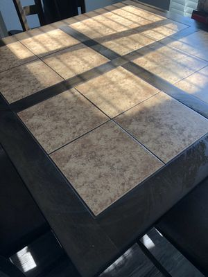 4 seat dining table for Sale in Las Vegas, NV