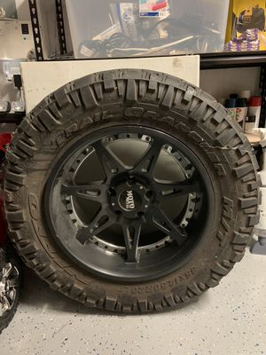 Rim and Tire for Sale in Homestead, FL