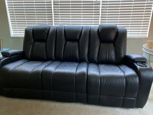 Electric recliner couch for Sale in St. Petersburg, FL
