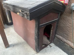 Dog House for Sale in Los Angeles, CA