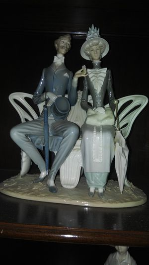 Lladro figurine, large for Sale in ARROWHED FARM, CA