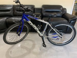 Trek 3500 Disc Mountain Bike for Sale in Miami, FL