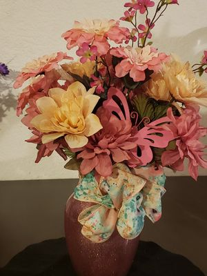 Artificial floral pink and cream flowers and vase home decor for Sale in Hesperia, CA