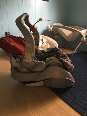 Graco infant car seat and base. New quality for Sale in FL, US