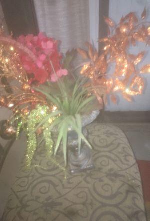 flower arrangement and vase for Sale in San Antonio, TX