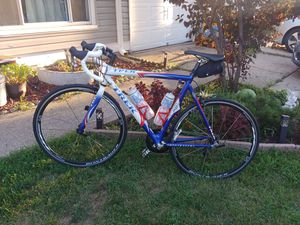 Trek Madone 5.2 58cm for Sale in Romeoville, IL