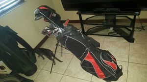 2 sets of golf clubs for Sale in Miami, FL