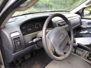2000-2004 Jeep Grand Cherokee. Steering wheel with a Bag for Sale in Chesnee, SC