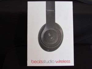 Beats studio wireless noise cancelling headphones for Sale in Tulalip, WA