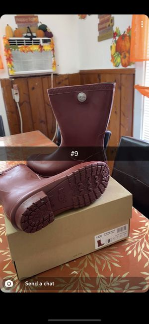 UGG rain boots size 9 for Sale in Fort Worth, TX