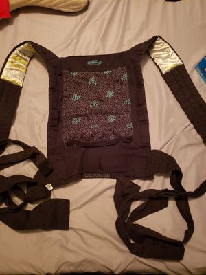 Infantino baby carrier for Sale in Phoenix, AZ