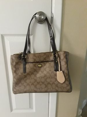 Authentic coach double Zip Peyton Carryall for Sale in Phoenix, AZ