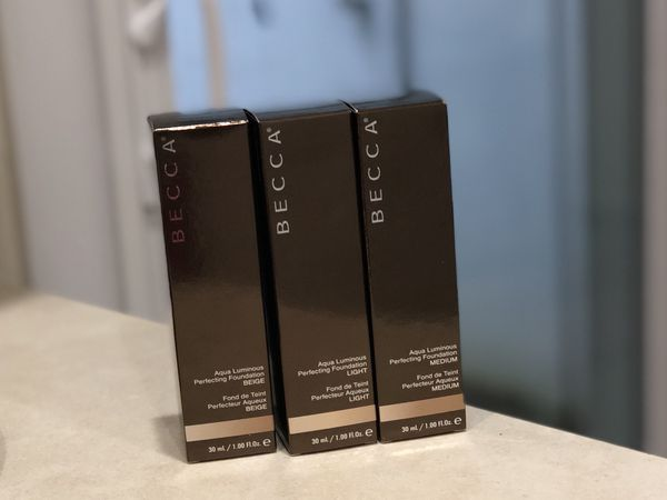 Becca-Make Up Foundation