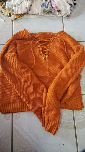 Knit sweater for Sale in La Habra Heights, CA