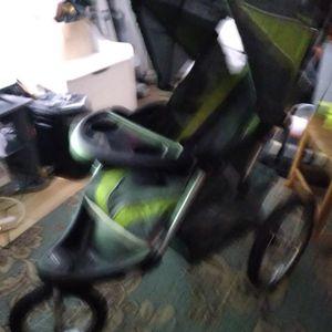 3 Wheel Stroller for Sale in Nashville, TN