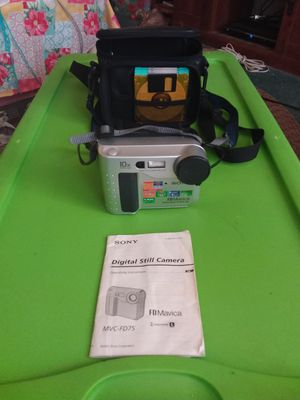 Vintage Sony Mavica MVC-FD75 8 1/2 Disc Loaded Digital Still Camera for Sale in Decatur, IN